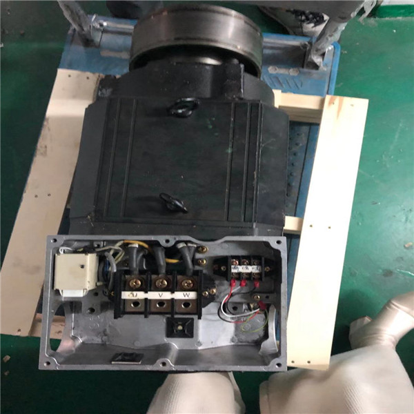 安川机器人伺服电机SGMPH-01A1A-YR22卡死转不动维修