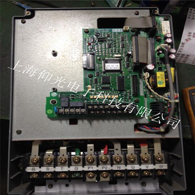工业电路板接触不良,信号受干扰维修方案
